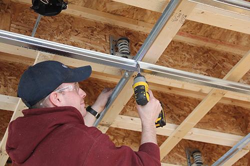 Insonorisation de plafond : quelles sont les techniques performantes